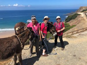 Lesbenreise mit Esel an der Algarve